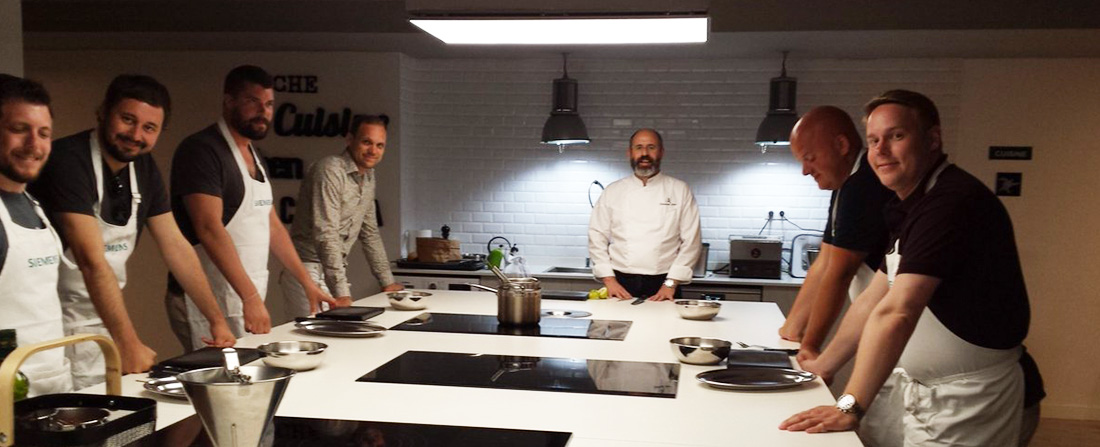 grupo en masterclass de cocina